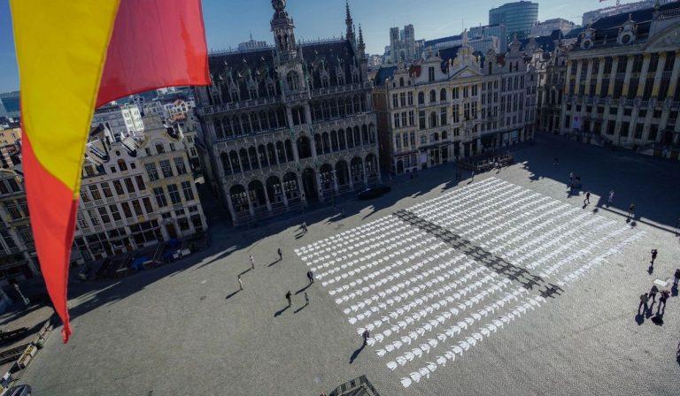 Coronavirus, Belgio: 4 persone e limiti ai congiunti