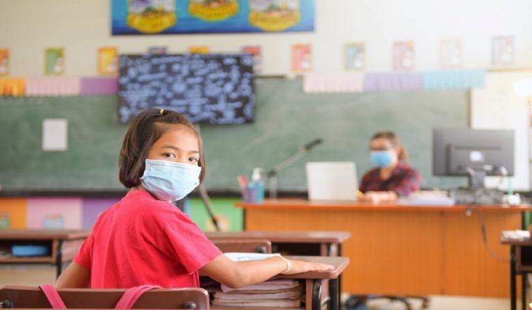 Regione Campania raccomanda vaccini per il rientro a scuola