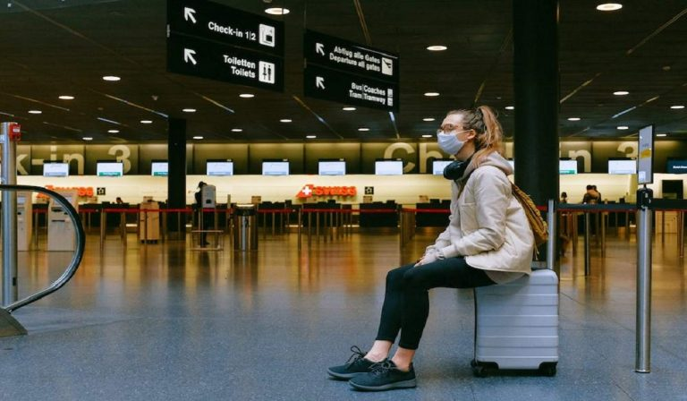 Coronavirus, passaporto sanitario per spostarsi in Italia