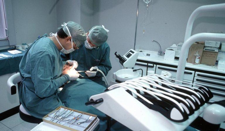 coronavirus oms controlli dentista