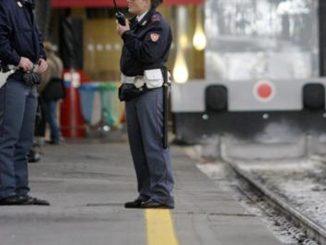 donna rapinata treno roma