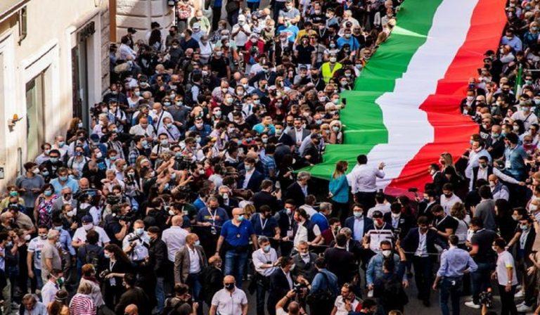 2 giugno, la manifestazione potrebbe costare multe
