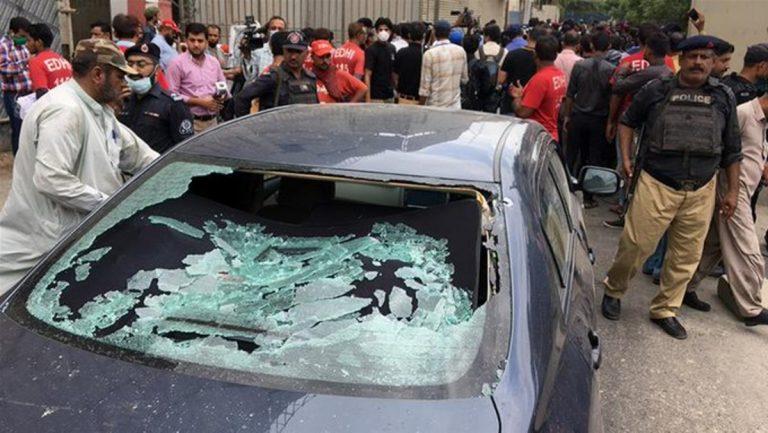 attentato pakistan borsa karachi
