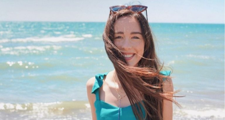 Aurora Ramazzotti in bikini