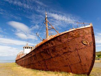 La baleniera abbandonata in Islanda