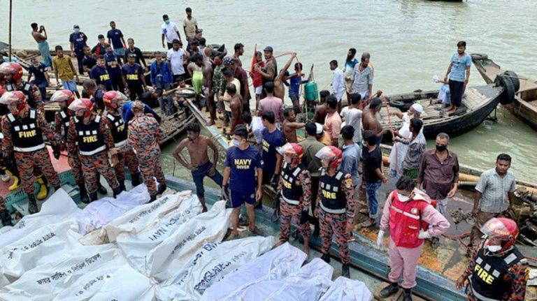 bangladesh scontro tra traghetti