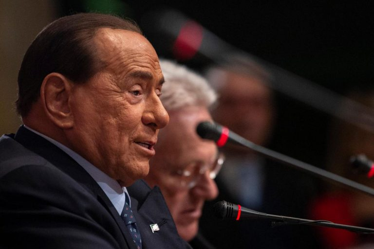 Berlusconi unità dialogo risollevarci