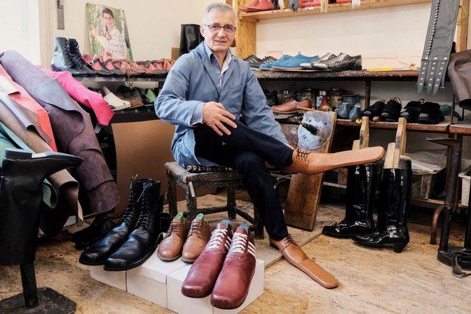 calzolaio scarpe lunghe