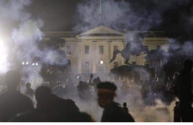 Casa Bianca Luci spente