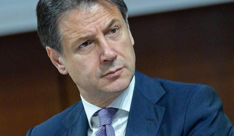 Sondaggi politici elettorali, Conte vince tra i leader