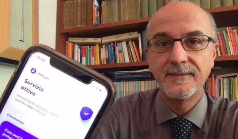 L'epidemiologo Lopalco con l'app Immuni