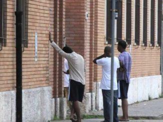 Migranti caserma Treviso