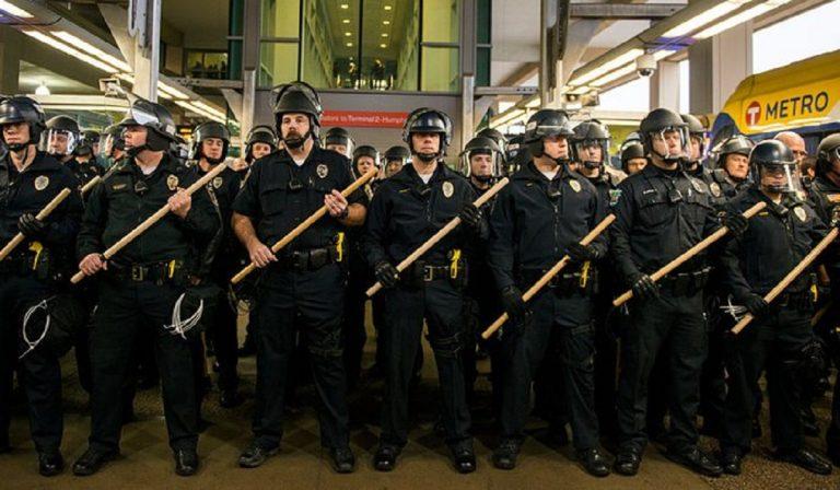 Minneapolis smantella il dipartimento di polizia per il caso Floyd