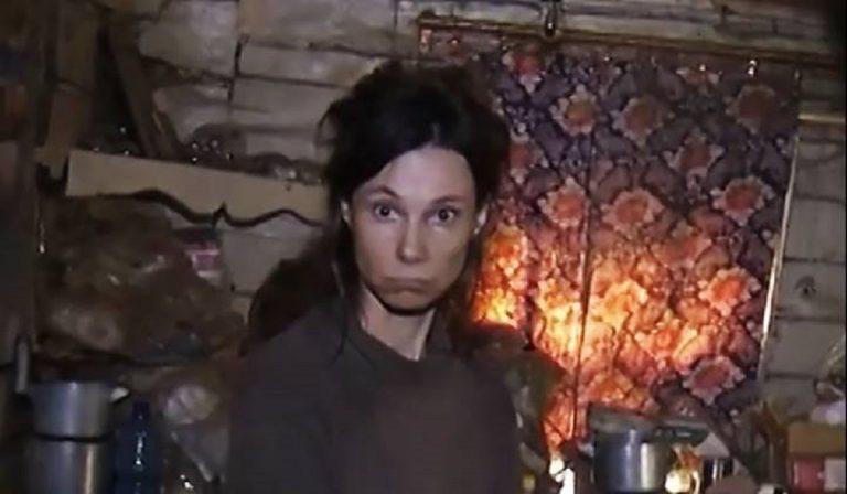 Segretata donna in Russia, mangiava cibo per gatti