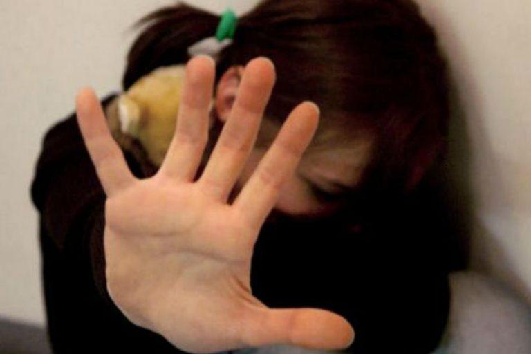 caserta bambina violentata