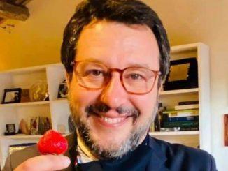 Il leader della Lega, Matteo Salvini, ironizza su TikTok
