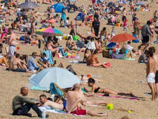 spiagge inglesi affollate