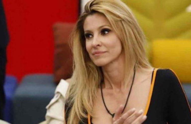 AdrianaVolpesingle