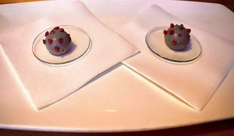 Piatto a forma di Coronavirus, focolaio in un ristorante