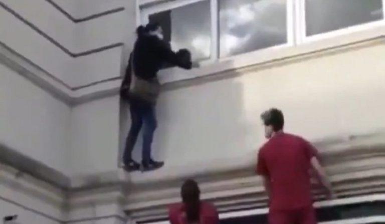 arrampica finestra ospedale