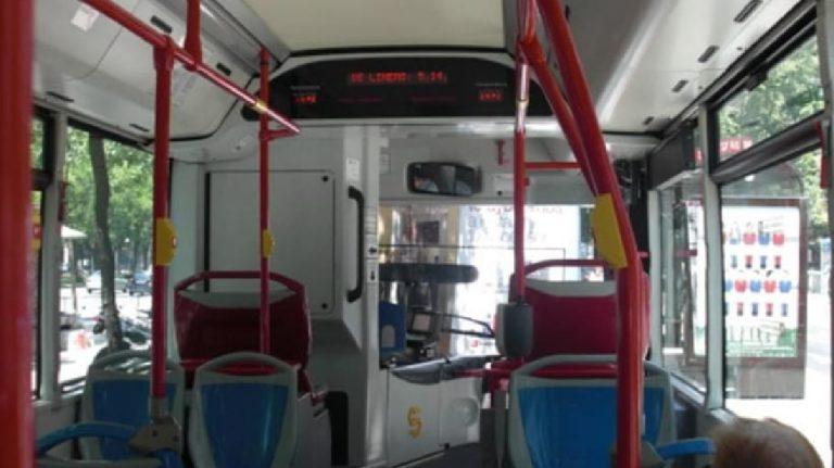 Autobus preso a sassate Casalnuovo