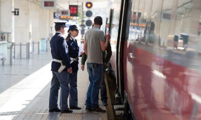 autoerotismo sul treno torino-asti