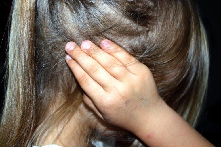 bambina violentata nonno compagnozia