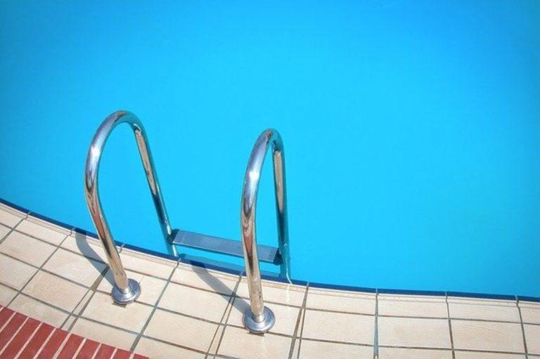 ragazzo morto piscina polignano