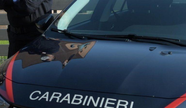 Donna con cranio fracassato trovata morta in un parcheggio