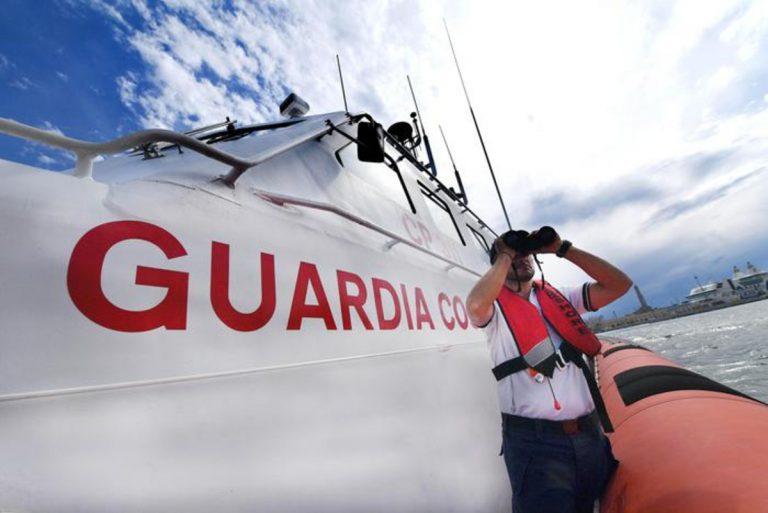 Il pronto intervento della Guardia costiera italiana
