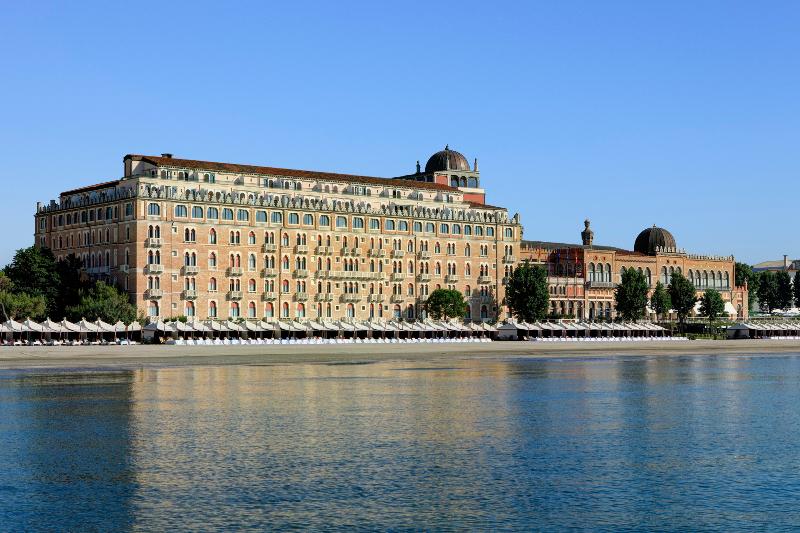 Il lido dell'Hotel Excelsior di Venezia