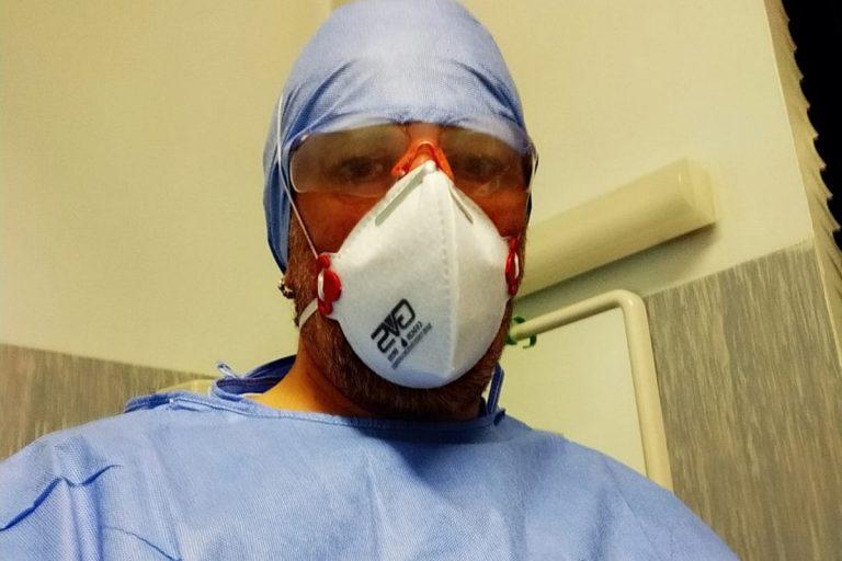 """L'odio social contro l'infermiere di Cremona: """"Bugiardo e terrorista"""""""