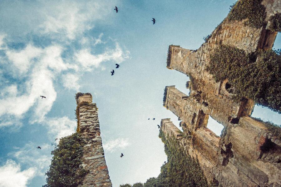 Menlo Castle, interno