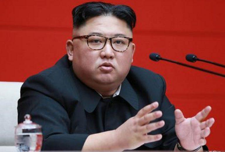 """Kim Jong-un: """"Grazie all'atomica riusciremo a difenderci"""""""