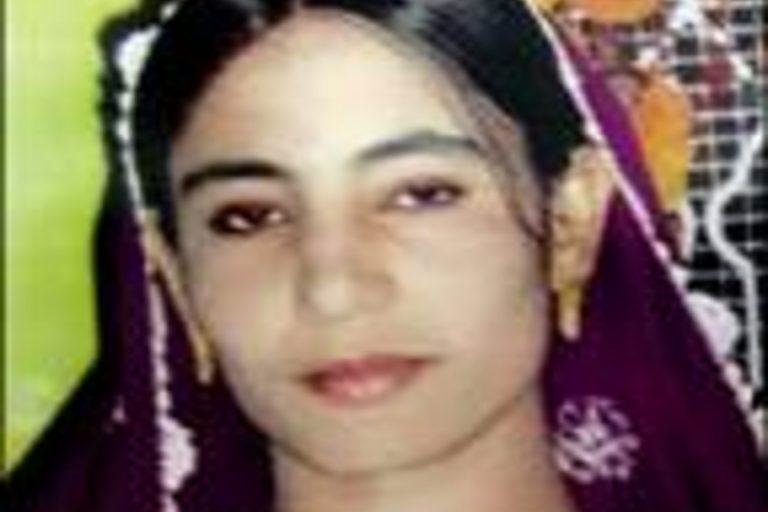 La donna pakistana lapidata