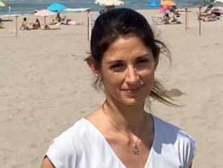 La sindaca Virginia Raggi risponde ai piccioni decapitati a Ostia