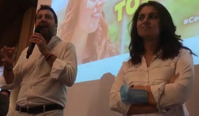 Regionali Toscana, niente mascherine durante l'incontro di Salvini e Ceccardi