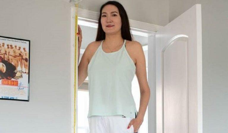 "Mongolia, donna ""gigante"" con gambe di 1 metro ciascuna"