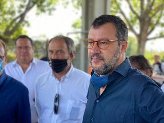 """Salvini a Roma: """"Chiudere i campi rom con un lucchetto"""""""