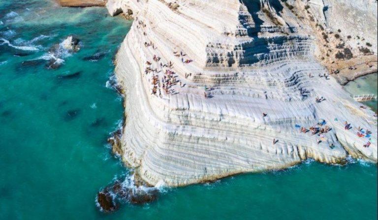 Sicilia, Scala dei Turchi: dopo il sequestro 31 turisti denunciati