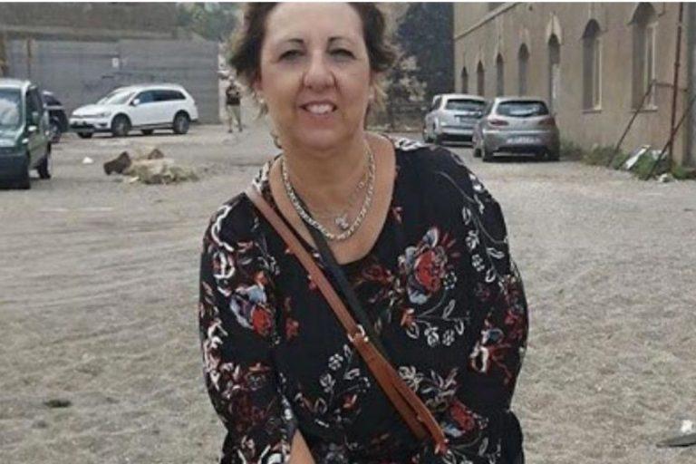 spiaggia argentiera muore 57enne