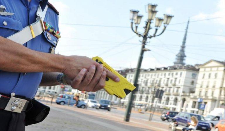 Sospeso utilizzo del taser per gli agenti, problemi tecnici