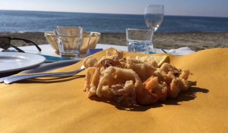 Versilia: turisti mangiano sulla spiaggia, poi scappano dal ristorante