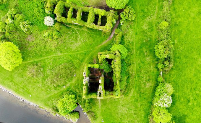 Vista aerea del castello Menlo