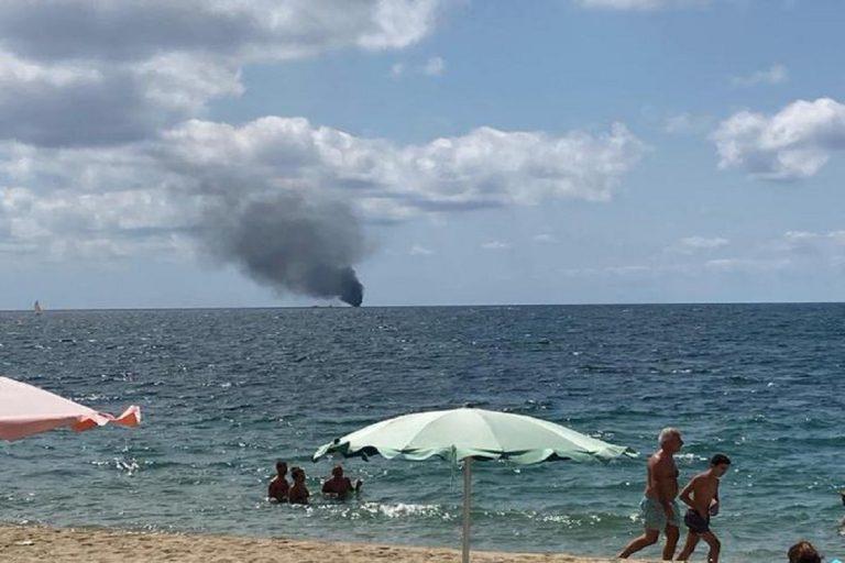 barca migranti crotone esplosa
