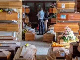 Palermo, emergenza cimiteri: troppe salme in deposito