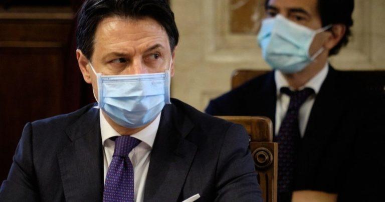 mascherina obbligatoria al chiuso