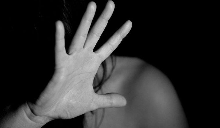 ragazza stuprata in India