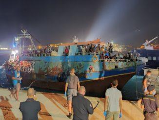 I 370 migranti sbarcati a Lampedusa nella notte