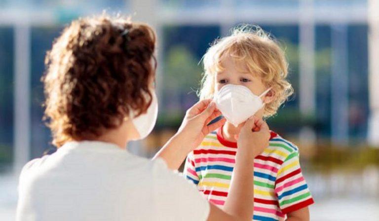 Coronavirus, mascherine gratis per la scuola
